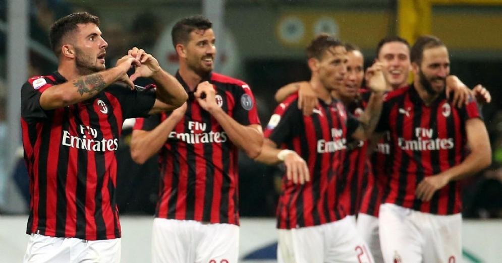 La gioia dei rossoneri dopo la vittoria sulla Roma