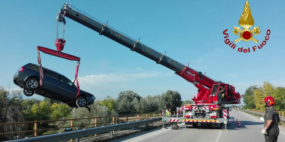 Incidente stradale a Visinale, vola dal ponte e finisce nel Meduna