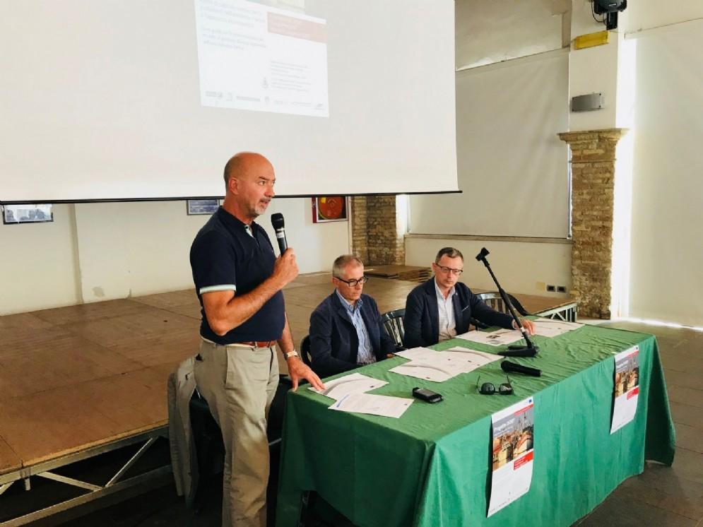 Assessore alle Risorse agroalimentari del Fvg, Stefano Zannier nel corso del seminario dedicato al progetto  Dory