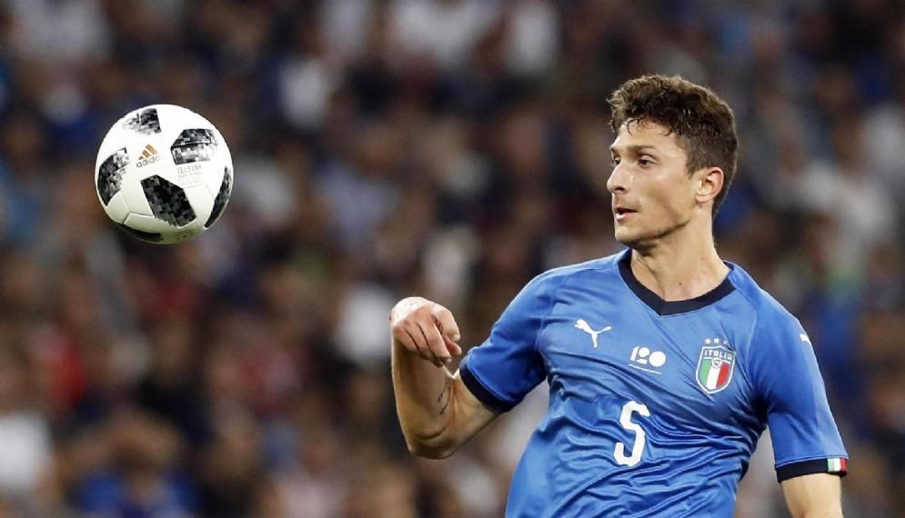 Il neo rossonero Caldara con la maglia dell'Italia
