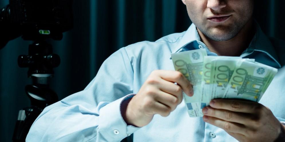 Pordenone, truffe ai risparmiatori: 17 ordinanze cautelari