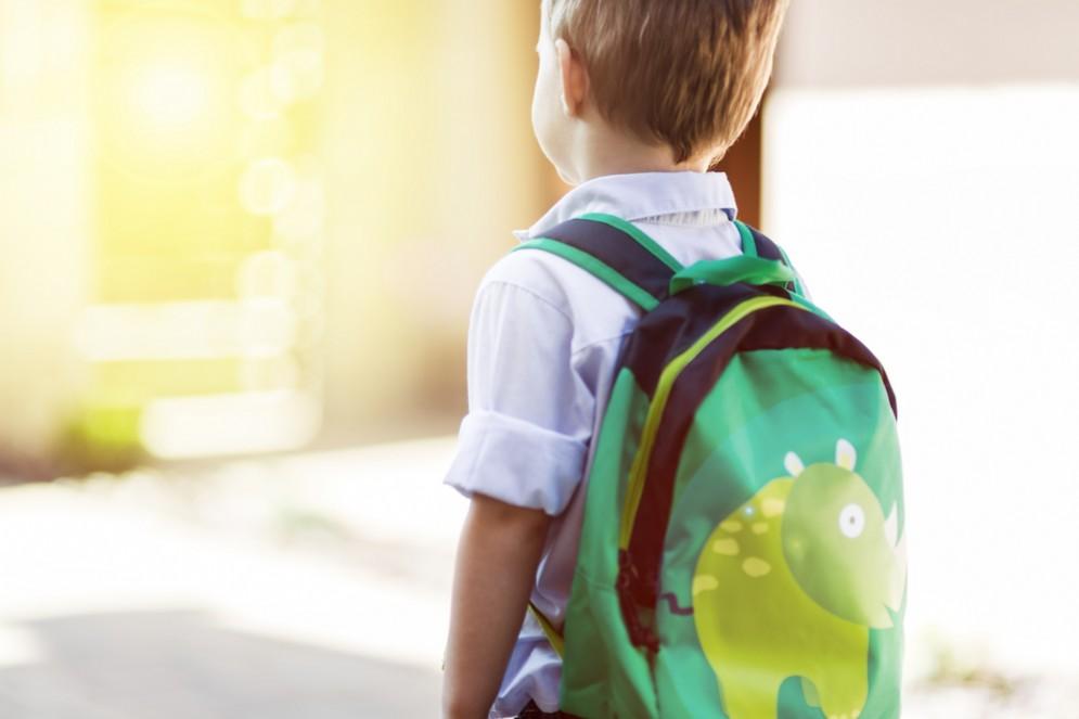 Bimbo affetto da leucemia non potrà andare a scuola per colpa dei no vax