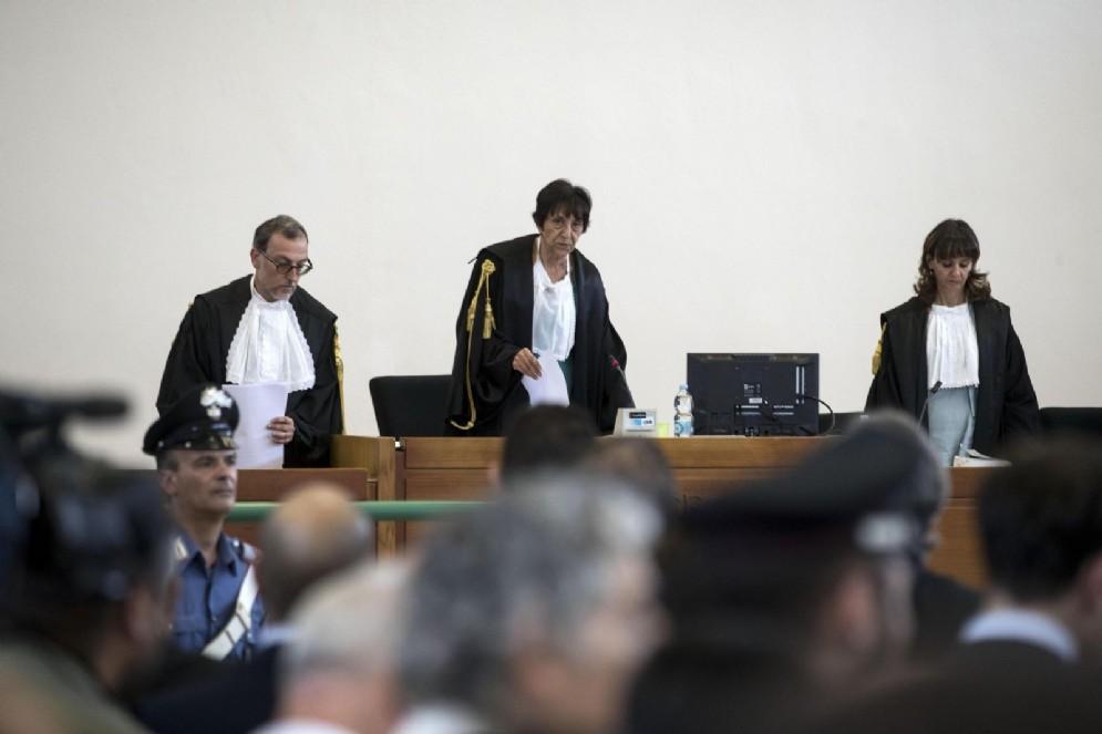 I giudici del tribunale di Roma leggono la sentenza di Mafia Capitale