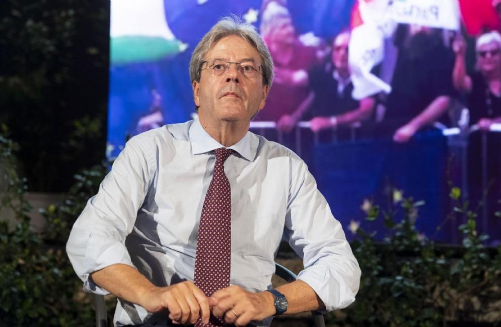 Paolo Gentiloni durante il suo intervento alla Festa dell'Unità