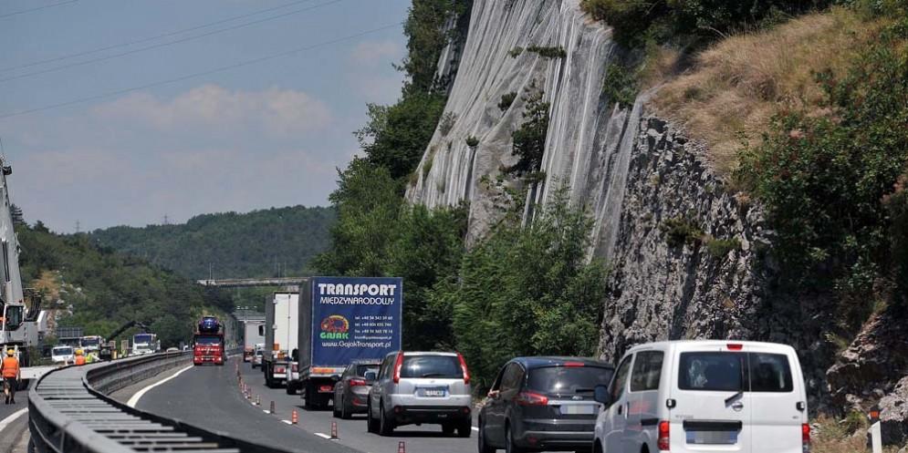 Duino: messa in sicurezza di pareti rocciose in A4