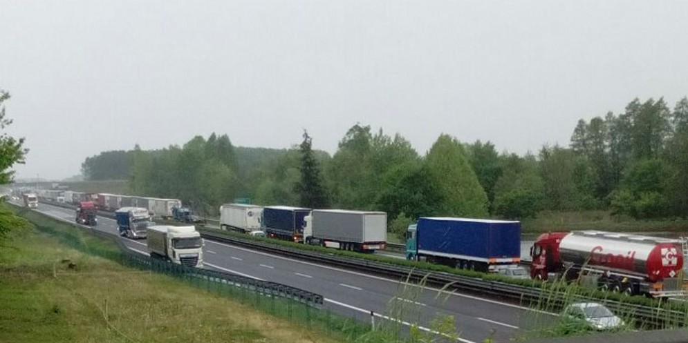 Chiusure sull'autostrada slovena: previsti itinerari alternativi per i mezzi pesanti