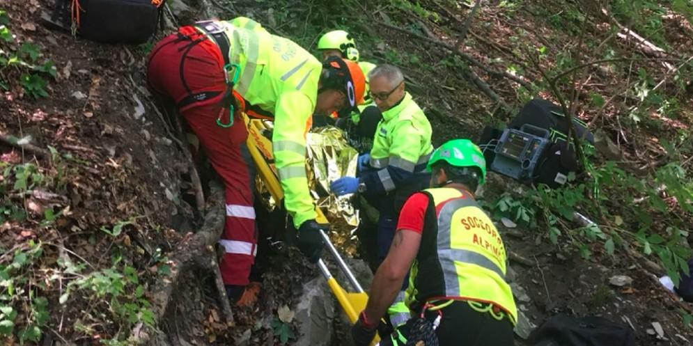 Lo cercano nei boschi di Cleulis dalla scorsa notte: 69enne trovato morto