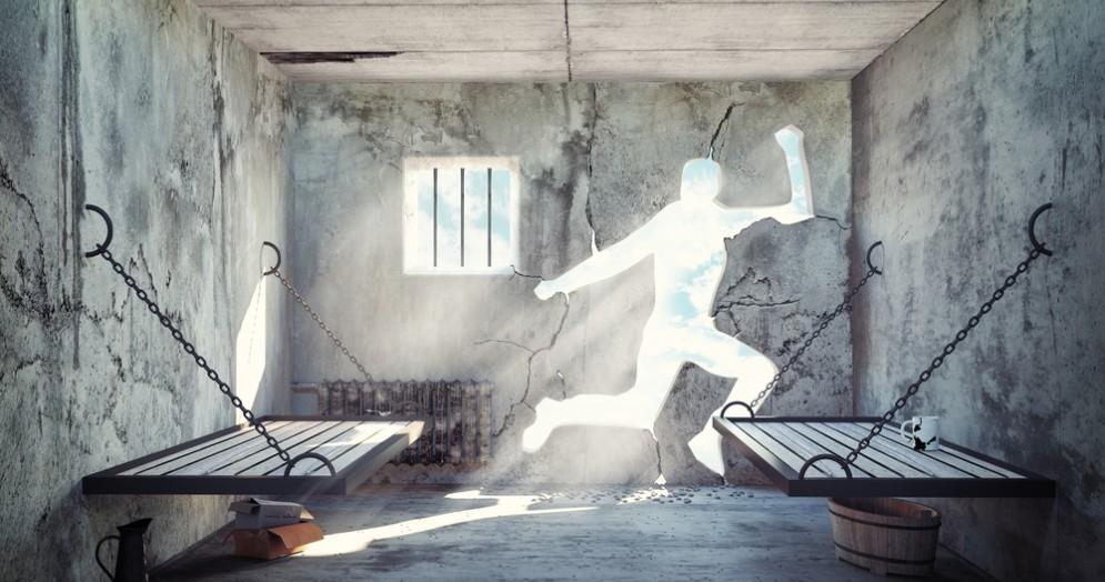 Detenuto evade dal carcere di Biella