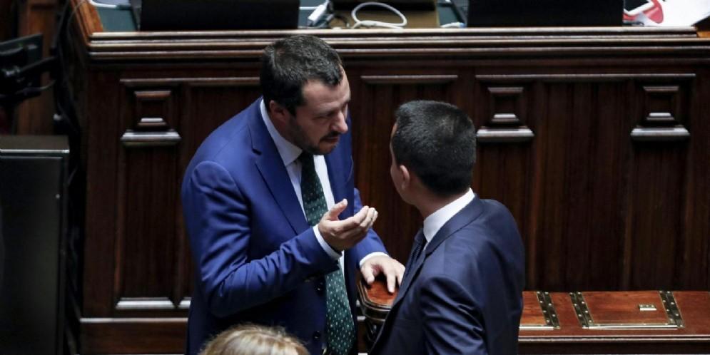 Il vicepremier e ministro dell'Interno Matteo Salvini con il ministro dello Sviluppo economico Luigi Di Maio