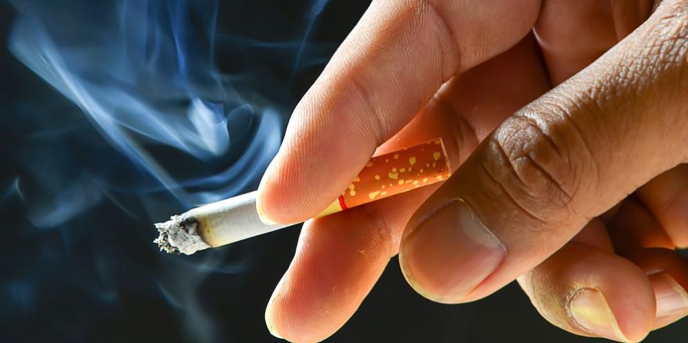 'Pizzicati' a fumare nonostante il divieto: sei persone sanzionate