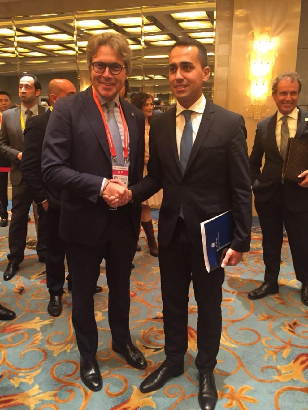 L'assessore Sergio Bini e il vicepremier Luigi Di Maio