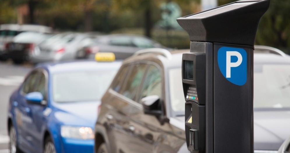 Biella, da oggi i parcheggi si pagano anche con Telepass Pay