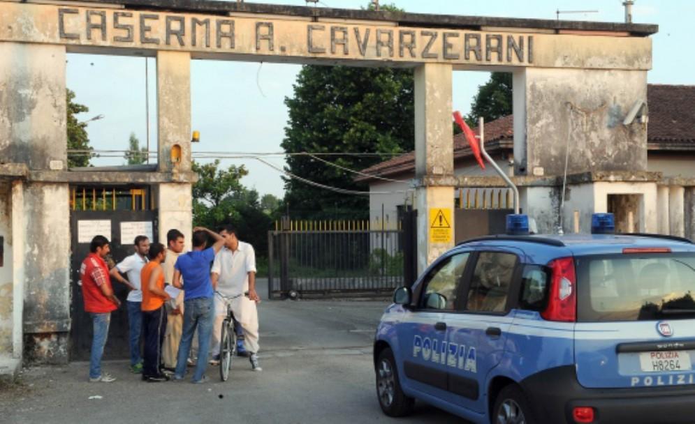Polizia di Stato, controlli straordinari alla Cavarzerani e in borgo stazione