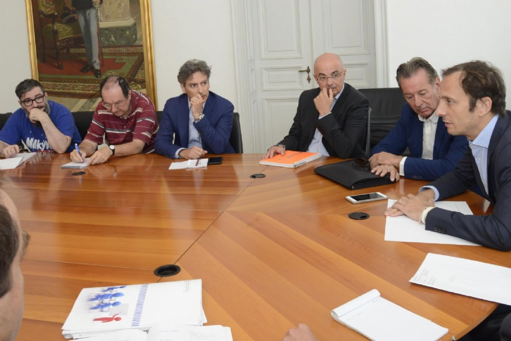 Presidente della Regione, Massimiliano Fedriga e l'assessore Fabio Scoccimarro insieme alle associazioni anti Ferriera