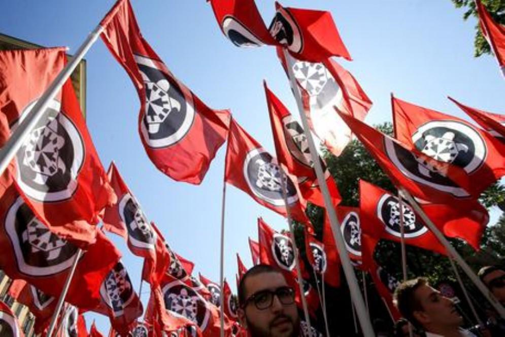 Corteo di Casapound: istituzioni, Curia e sindacati contrari