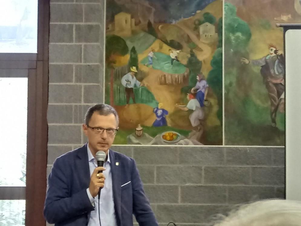 Assessore alle Risorse Agroalimentari e forestali Stefano Zannier interviene a Taipana