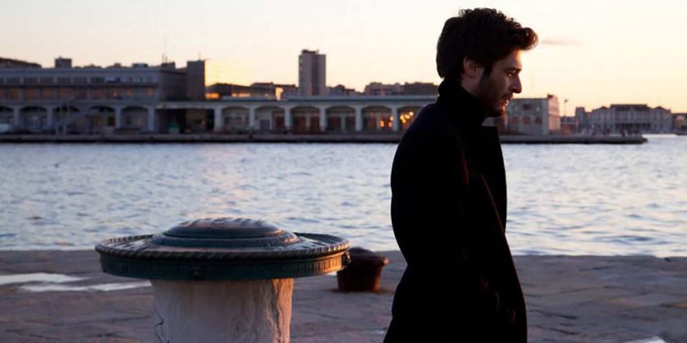 Esterno/Giorno: con i visori digitali  sul set de 'La Porta Rossa'