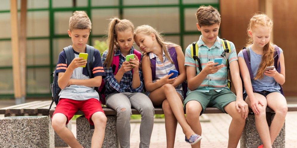 'Avanti tutta!': una guida per ragazzi sull'uso responsabile di internet