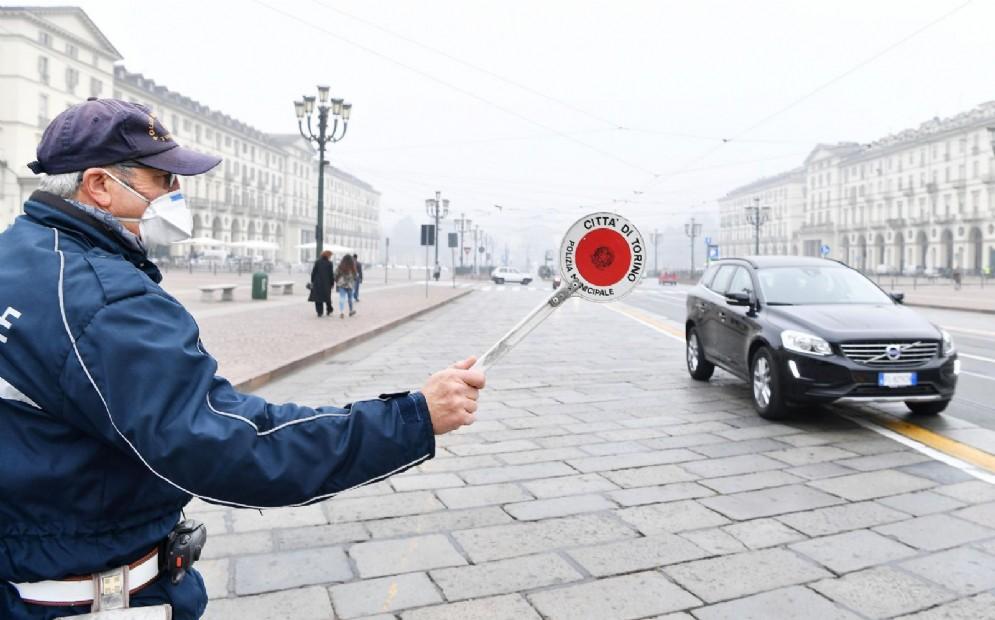 Blocchi anti smog, via libera a (quasi) tutti: è caos totale