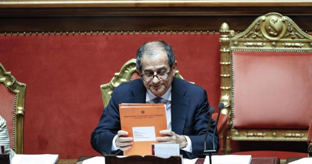 Il ministro dell'Economia Giovanni Tria in Senato durante il question time, Roma 20 settembre 2018