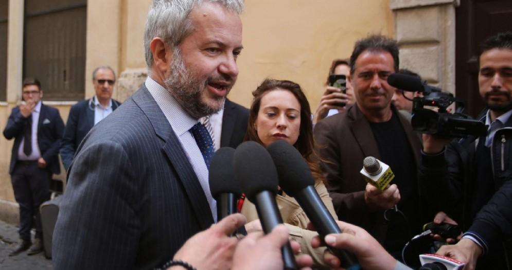 Claudio Borghi arriva alla sede dei gruppi parlamentari in via del Vicario a Roma