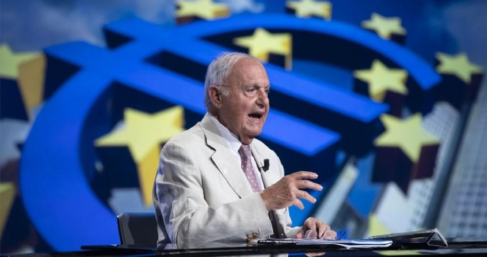 Il ministro degli Affari europei, Paolo Savona, ospite del programma Mezz'ora in più su Rai3