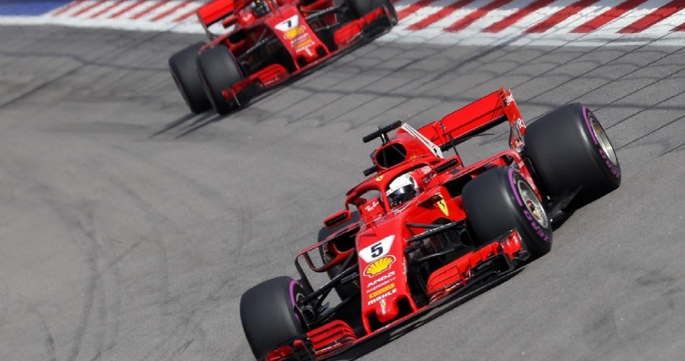 Sebastian Vettel e Kimi Raikkonen in azione