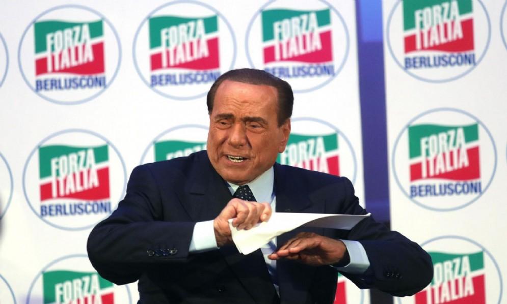Il presidente di Forza Italia, Silvio Berlusconi, alla convention IdeeItalia di Milano