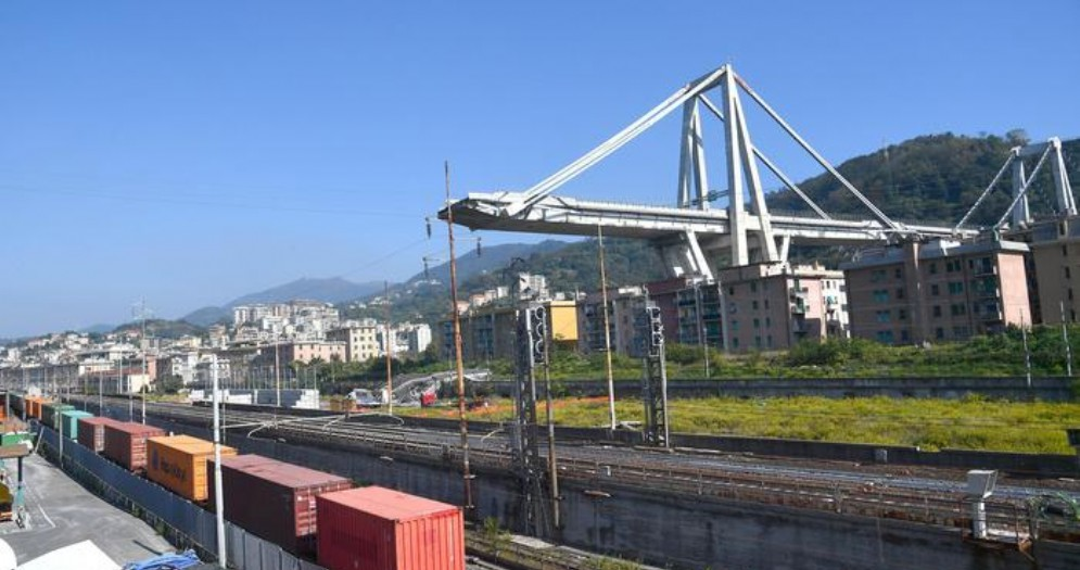 I «resti» del Ponte Morandi a Genova