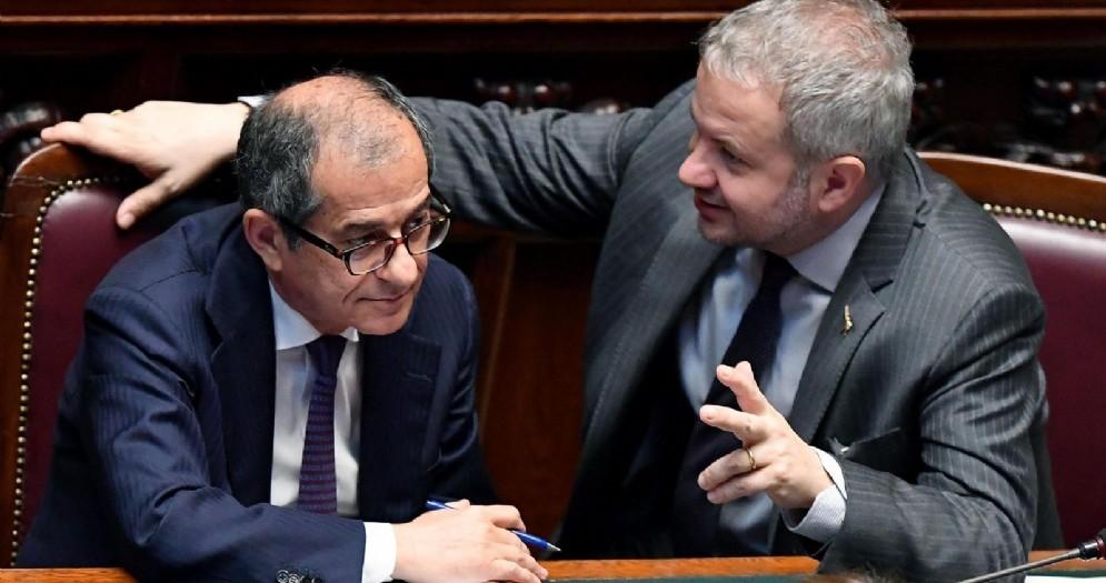 Il ministro dell'Economia, Giovanni Tria, e il deputato della Lega, Claudio Borghi