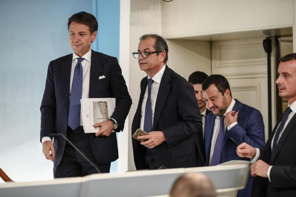 Giovanni Tria, Giuseppe Conte e Matteo Salvini a Palazzo Chigi