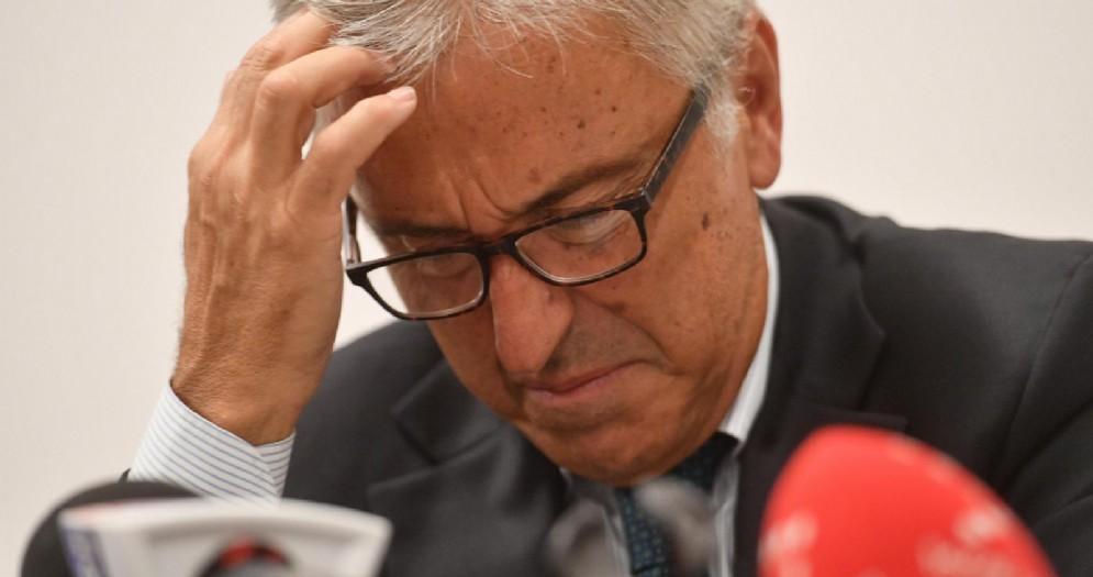 L'amministratore delegato di Autostrade per l'Italia, Giovanni Castellucci, in conferenza stampa