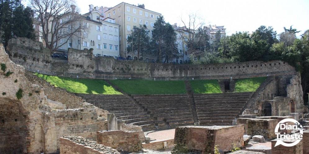 Trieste: visite guidate drammatizzate al Teatro romano, per la Barcolana