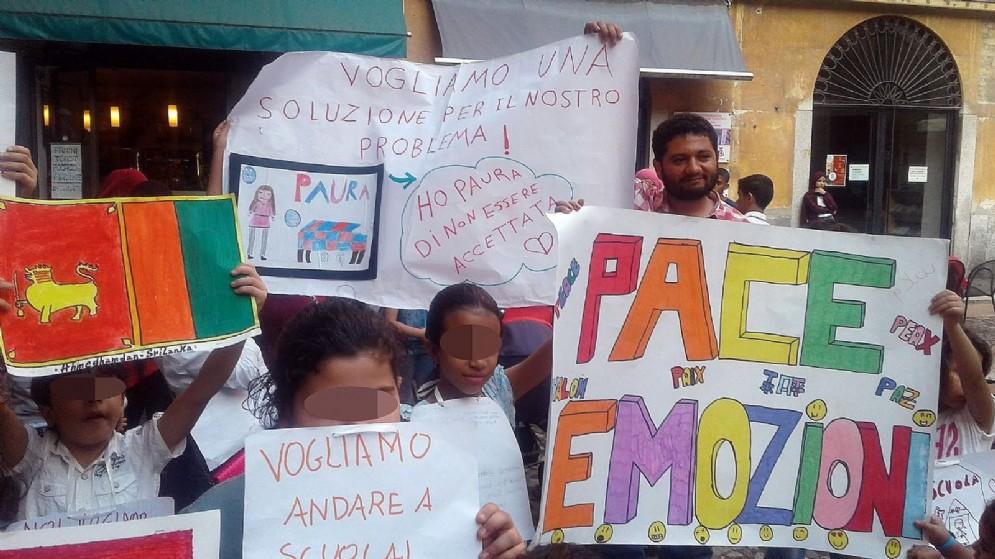 Manifestazione dei bambini stranieri iscritti nelle scuole di Lodi. 14 settembre 2018
