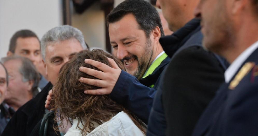Il leader della Lega Matteo Salvini in occasione di un tour elettorale per le provinciali in Trentino