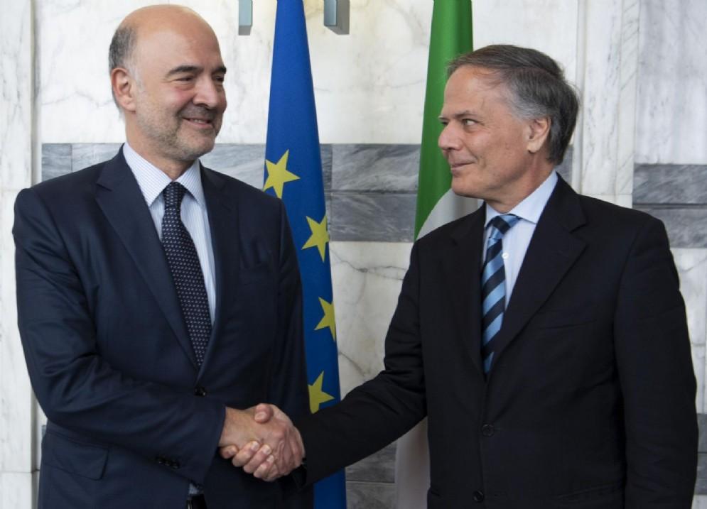 Il Commissario europeo per gli Affari economici, Pierre Moscovici, e il ministro degli Esteri, Enzo Moavero Milanesi