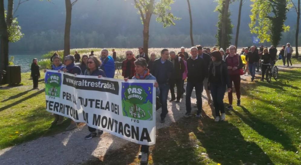 «Basta speculazione sull'acqua»: Patto per l'Autonomia scende in campo con i comitati