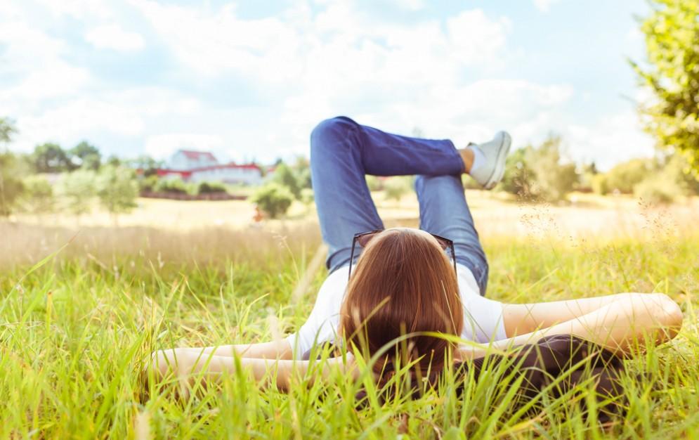 Stare in mezzo al verde promuove la salute mentale