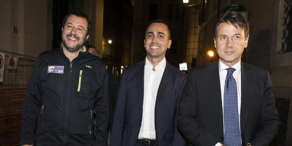 I due vicepremier Matteo Salvini Luigi Di Maio e il premier Giuseppe Conte al termine del vertice