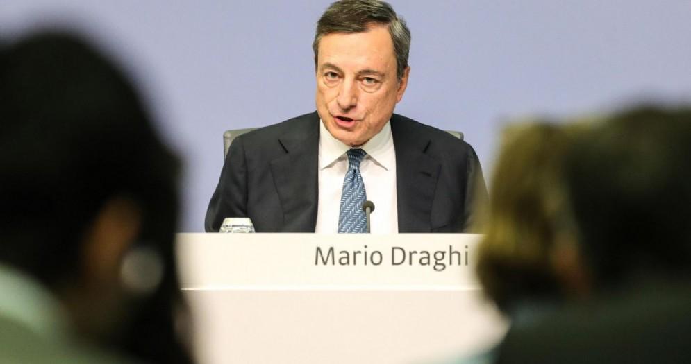 La conferenza stampa del presidente della Banca centrale europea, Mario Draghi
