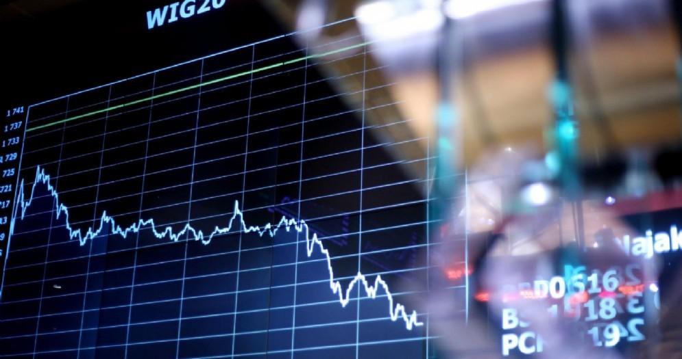 Un monitor con i valori della borsa