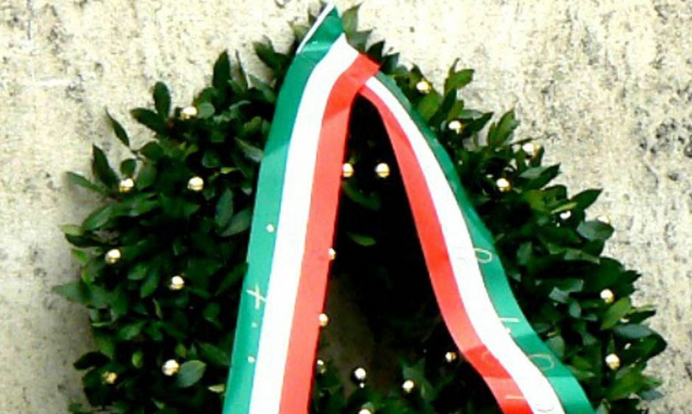 Cerimonie e deposizioni di corone in onore dei caduti