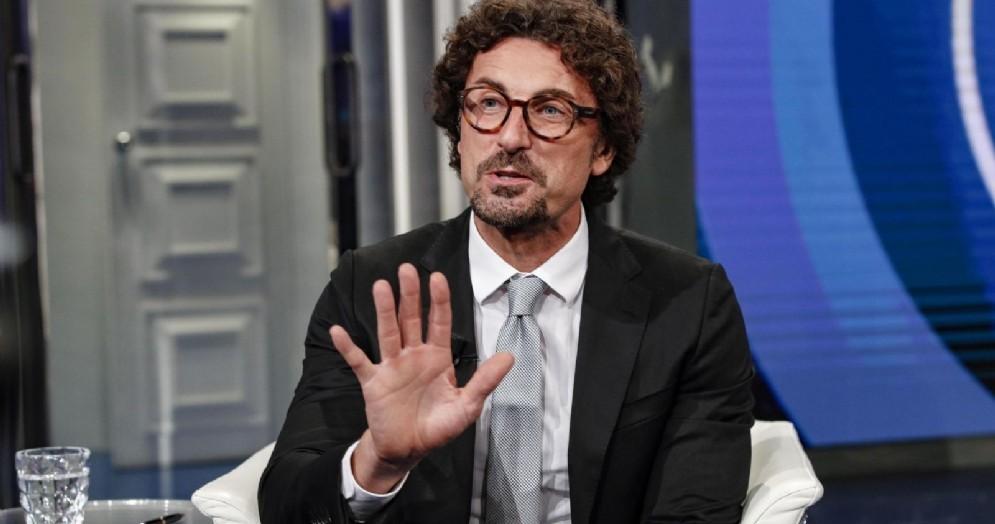 Il ministro delle Infrastrutture Danilo Toninelli ospite a «Porta a Porta»
