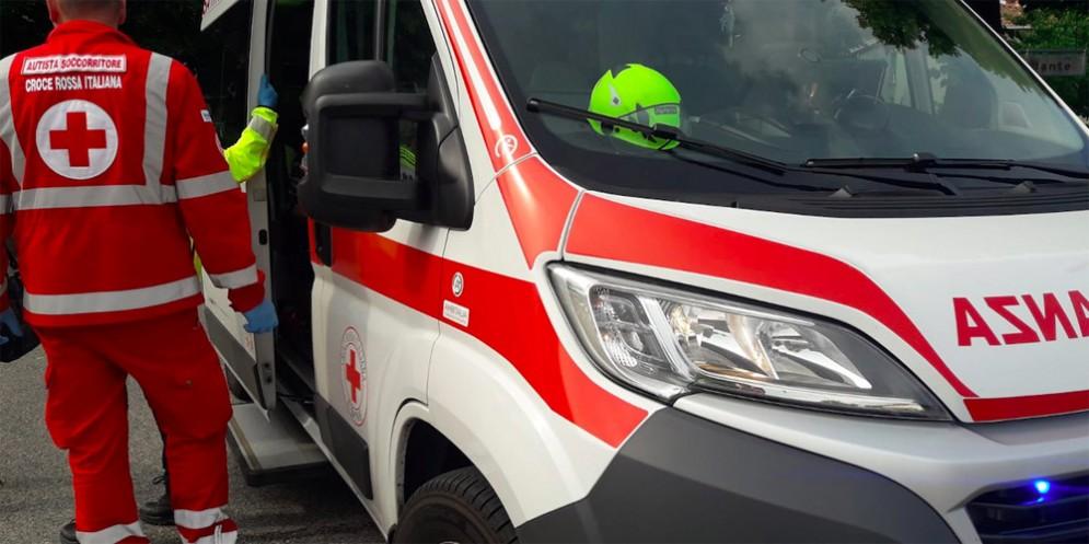 Incidente in viale Campi Elisi: due feriti gravi