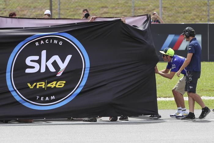 Valentino Rossi durante i festeggiamenti a Bagnaia