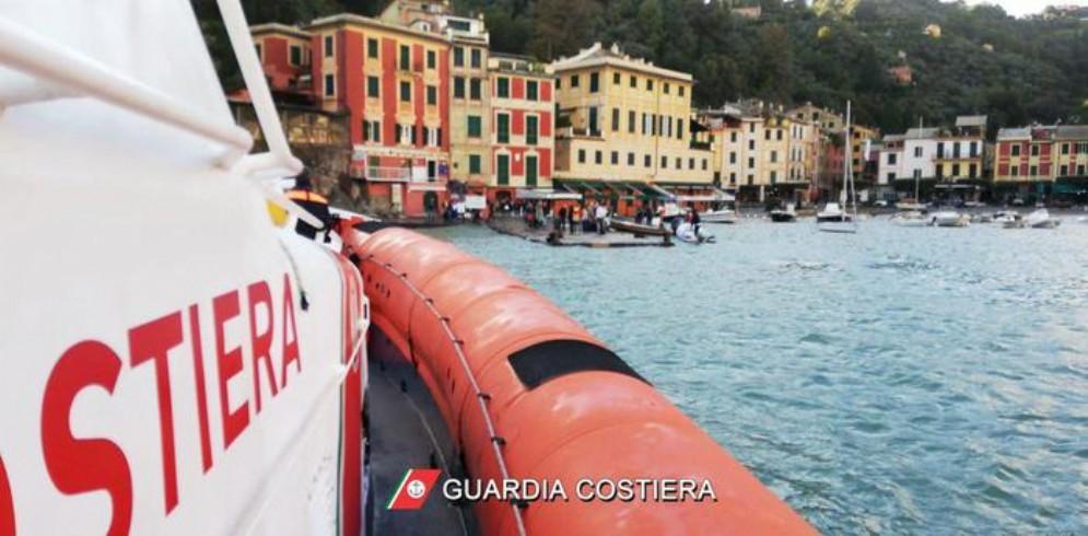 Guardia Costiera al largo di Portofino