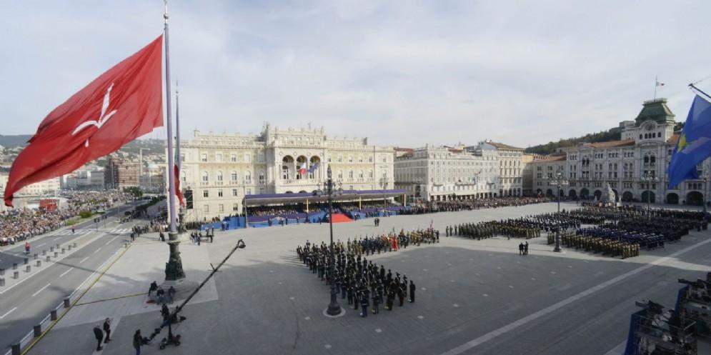 4 novembre: Spitaleri ringrazia le Forze Armate, Serracchiani il presidente Mattarella