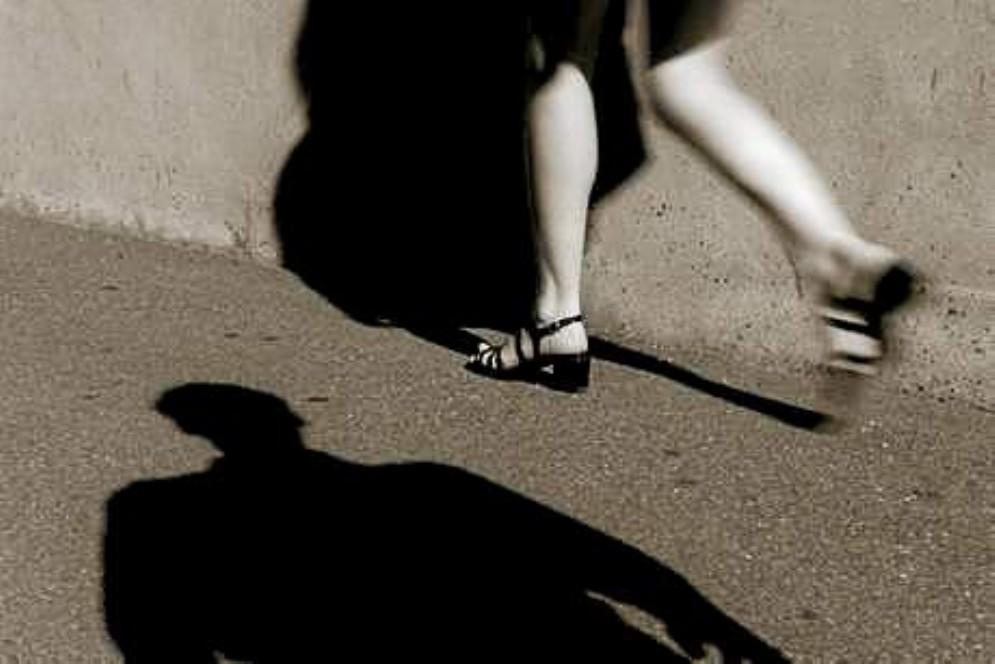 Nuova denuncia per stalking a Udine: 43enne perseguita la ex, ora non può avvicinarla