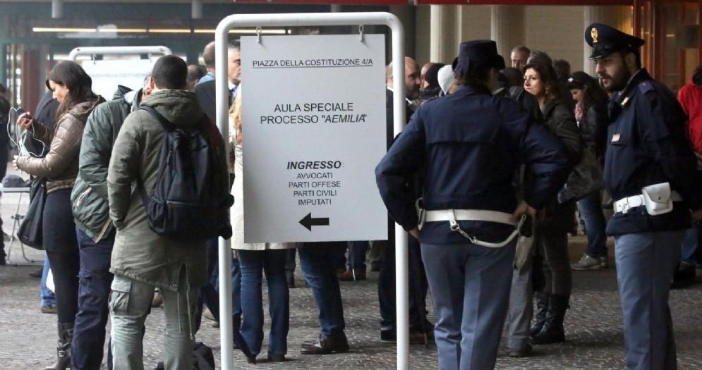 Il processo a porte chiuse Aemilia sulla 'ndrangheta a Reggio Emilia