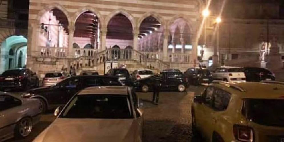 Fontanini 'boccia' l'attività della Polizia locale: «Sosta selvaggia fuori controllo»